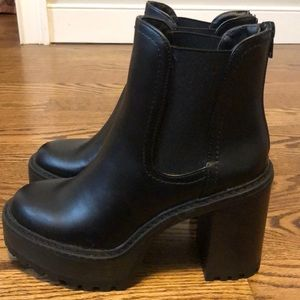 *NEVER WORN* Madden Girl Kamora Booties Size 7.5